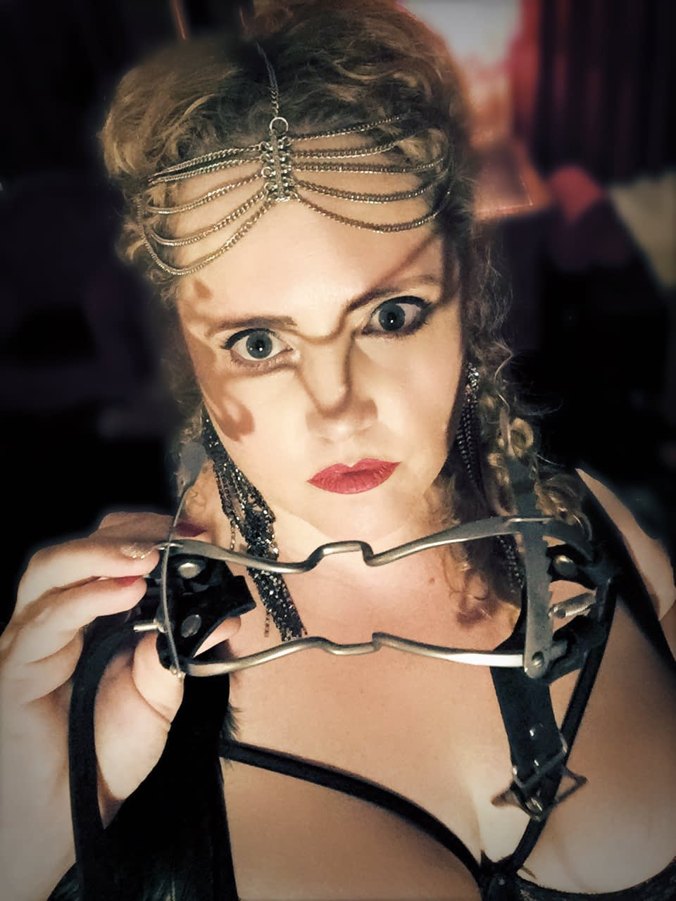 Mistress Artemisia de Vine Sydney Pro Domme