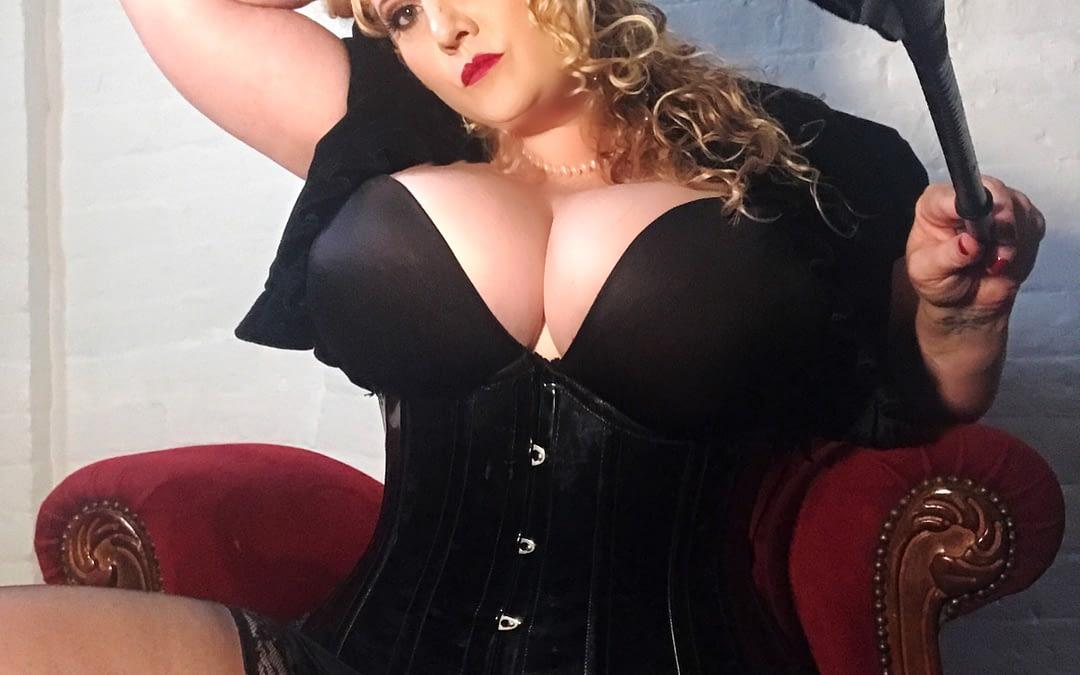 Mistress Artemisia de Vine Sydney Dominatrix BDSM L