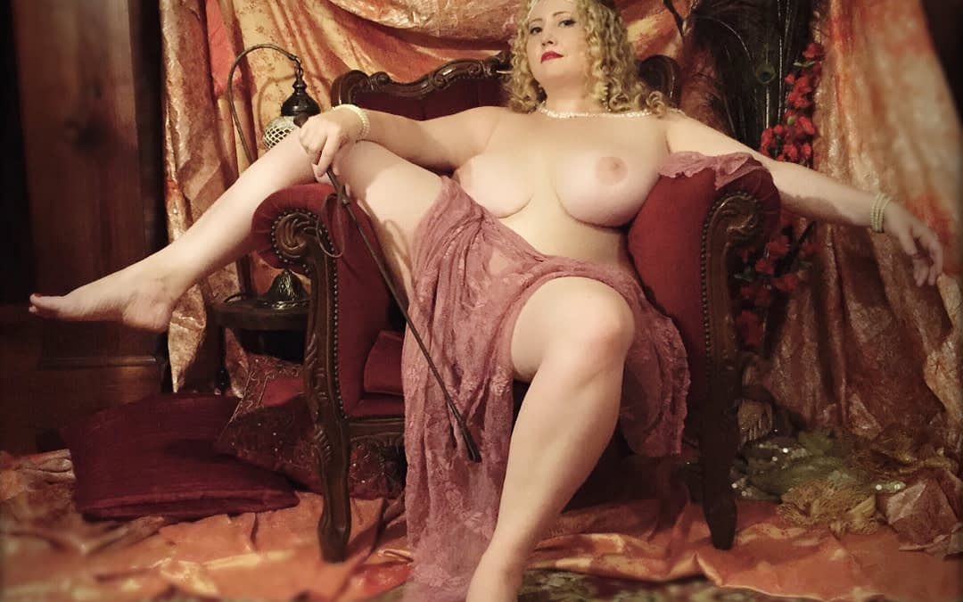 Choosing Between Mistress and Goddess Worship Sessions